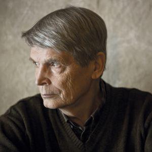 Författaren Antti Hyry.