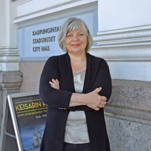 Arja Alho, första kvinnliga ordförande för Helsingfors stadsstyrelse och stadsfullmäktige.
