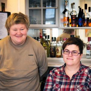 Karina, Malene ja Lasse jobbar alla på Skovsgaard hotel