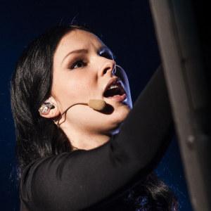 Annica Milán & Kimmo Blom esiintymässä Uuden Musiikin Kilpailussa Karsinta 2:ssa.
