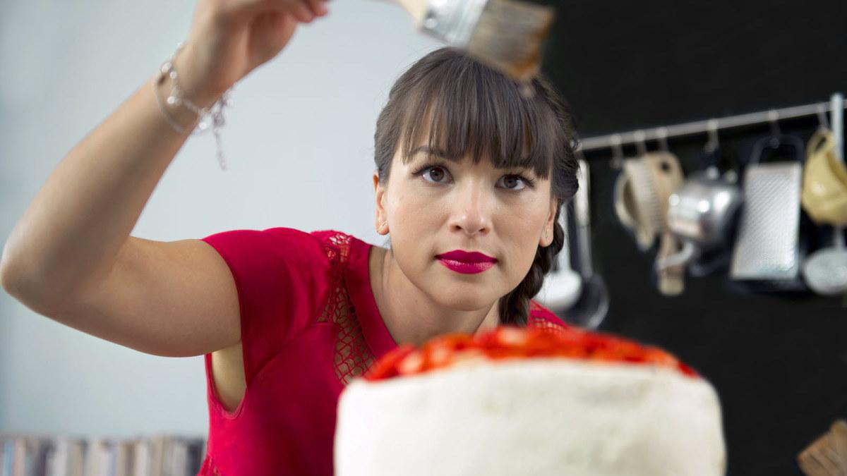 Rentoa ruokaa Lontoossa tv kokki Rachel Khoo inspiroituu kotikaupungistaan