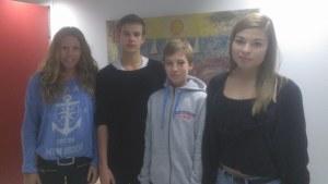 Ronja Strömvall, Arthur Bergkulla, Jonas Lerstrand och Essi Unkuri vid Borgaregatans högstadium.