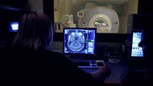 Koehenkilön aivoja kuvataan