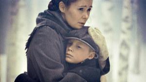 Klaus Härön elokuva sotalapsena Ruotsiin lähetetyn 9-vuotiaan Eeron matkasta tuntemattomaan maahan uuden äidin luo.