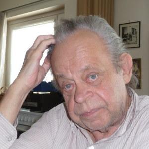 Ulf Modin i sin hyreslägenhet i Ekenäs.