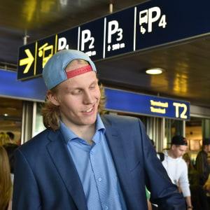 Patrik Laine tillbaka i Finland efter VM.