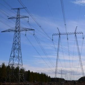 högspänningsledningar från kärnkraftverket i lovisa