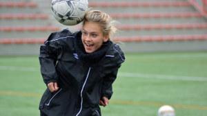 Wilma Sjöholm spelade fotboll tio år med pojkar.