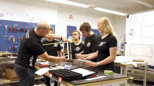 Professor Jaan Praks och studenter vid Aalto-universitetet har planerat satelliten.