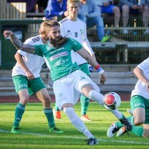 EIF:s Saša Jovović var matchens lirare.