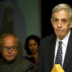 Matematikern John Nash i Indien år 2007.