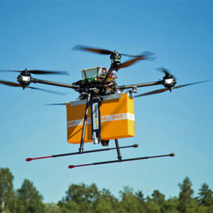 Postlevarans med robothelikopter