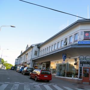 Affärscentrumet Kungsen i Ekenäs fotat från Långgatan.