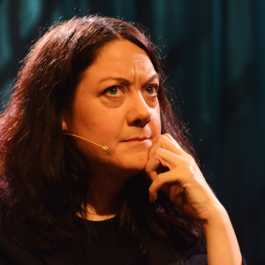 Kirjailija Helen Macdonald