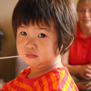 Nelikymppisille Tuulalle ja Laurille kansainvälinen adoptio on viimeinen mahdollisuus saada oma lapsi.