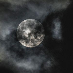 Fullmåne över Aten den 27 september 2015.