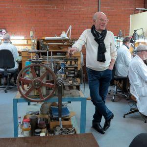 Andrej Ananov i St:Petersburg tillverkar Fabergéägg enligt gammal tradition