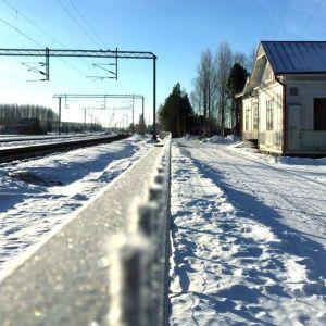 Härmä tågstation i vinterskrud