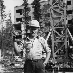 Raudoittaja Pekka Pentti Kostamuksen rakennustyömaalla
