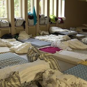 madrasser på golvet, flyktingförläggningen i Pansio