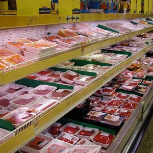 Köttdisken i en matbutik