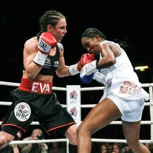 Eva Wahlström slog Dahiana Santos den 18:e mars.