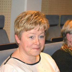 Ögonblicket när Mattila får veta att hon valts till stadsdirektör i Karleby.