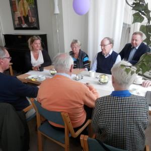 Styrelsen för Jakobstads Åldringsvänner r.f. diskuterar det uppkomna läget