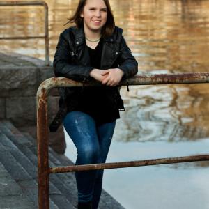 Lotta Björklund deltar i MGP 2016 med låten Min sång