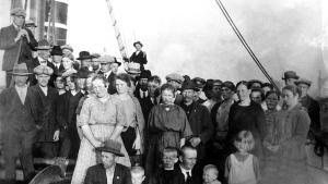 Amerikaemigranter på en båt på väg över till Amerika