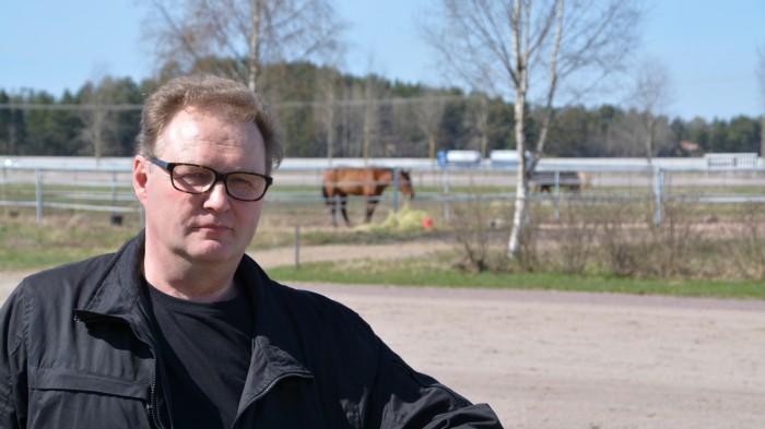 Lindqvist sparkad av travhast