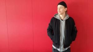 Tony Lagerström gör musik i sitt sovrum i Smedsby