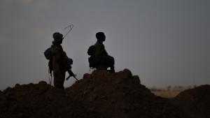 Israeliska soldater vid Gazaremsan.