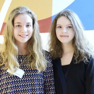 Isabella Ginman och Isabella Vilos från Hoplaxskolan