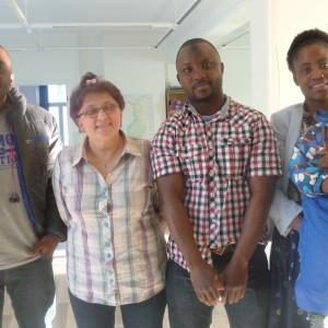Che Tangwan Ntumngia, Inger Ylikoski, Hassan Bilal och Osita Otisasa med sonen Light.