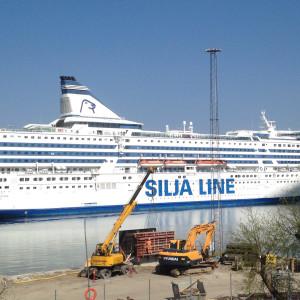 M/S Silja Serenade i Värtahamnen i Stockholm.