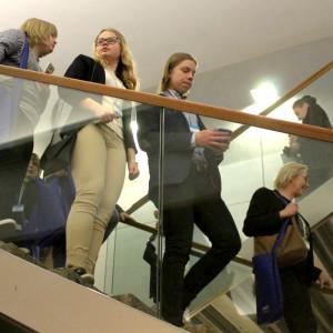Ungdomar på Ungdomsparlament i Helsingfors.