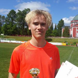 Arttu Mattila finsk rekordhållare i P14 med 201 cm.