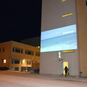 Videokonstverk inom Vibrationer & vridning serien på Polishuset i Vasa.