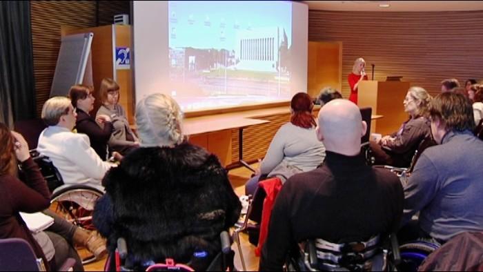Diskussionstillfälle i riksdagen om nya handikapplagen