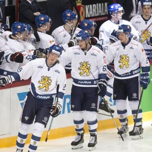 Patrik Laine och Aleksander Barkov laddade upp för VM med match mot USA.