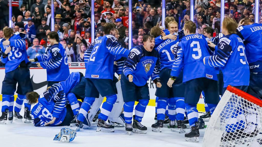 Kultajoukkue palaa kotiin – Suomi juhlii jääkiekon nuorten  maailmanmestaruutta  ee67653eb0