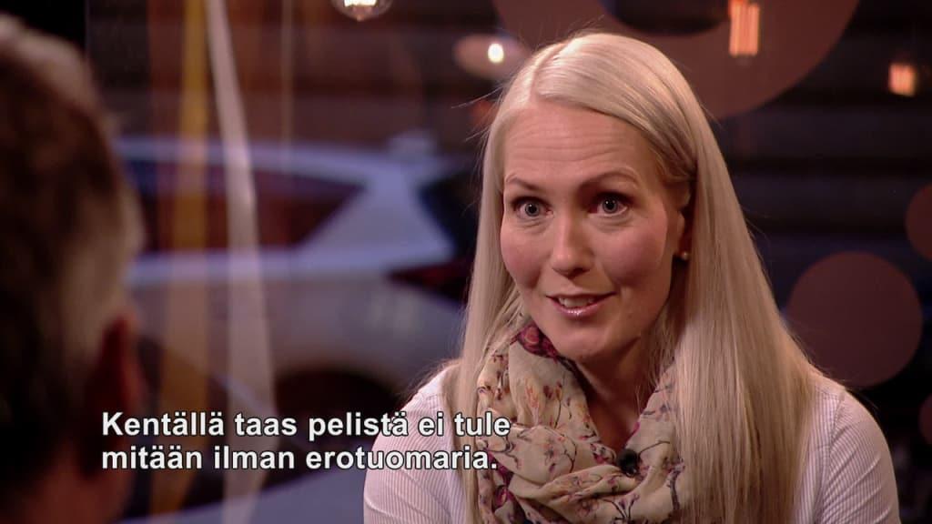 Lina Lehtovaara är Finlands enda elitdomare i fotboll  d2d5c6d531a01