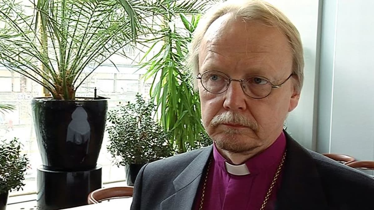 Arkkipiispa Kari Mäkinen kaipaa kirkon mediakeskusteluun aikuista otetta | Yle Uutiset | yle.fi
