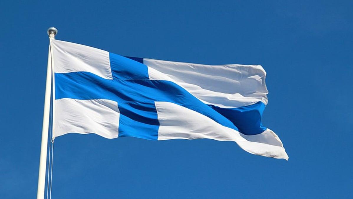 suomen lipun saa pyyk228t228 koneessa yle uutiset ylefi