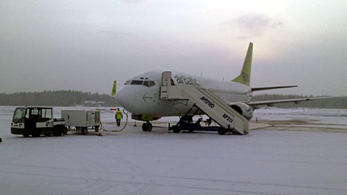 AirBalticin Vaasan-lennot loppumassa   Yle Uutiset   yle.fi