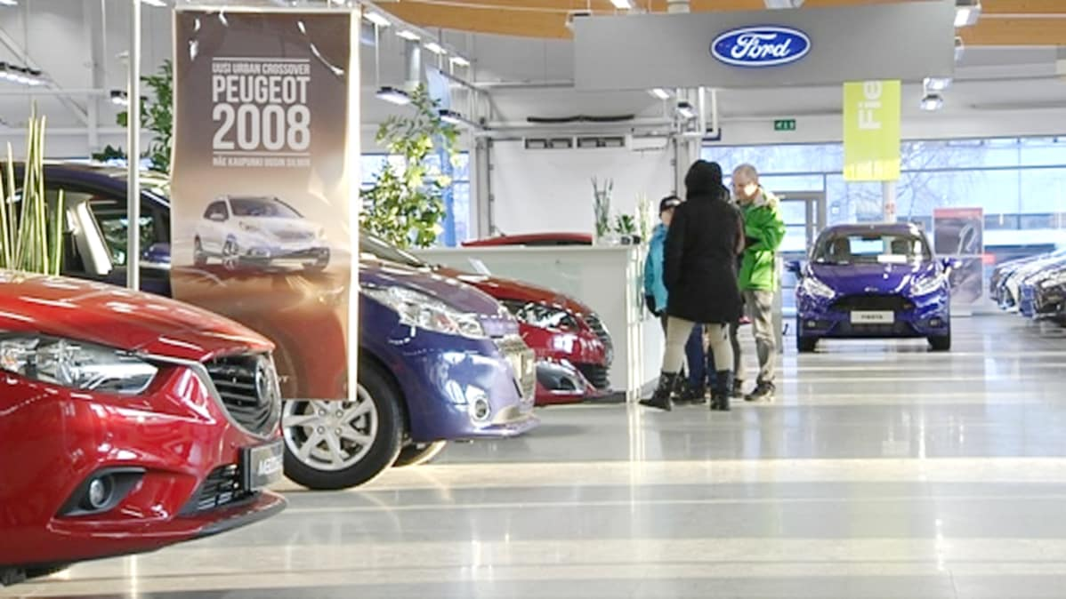 Autokauppa keskittyy isoille paikkakunnille: Laakkonen myy Iisalmen ja Kajaanin liikkeensä | Yle ...