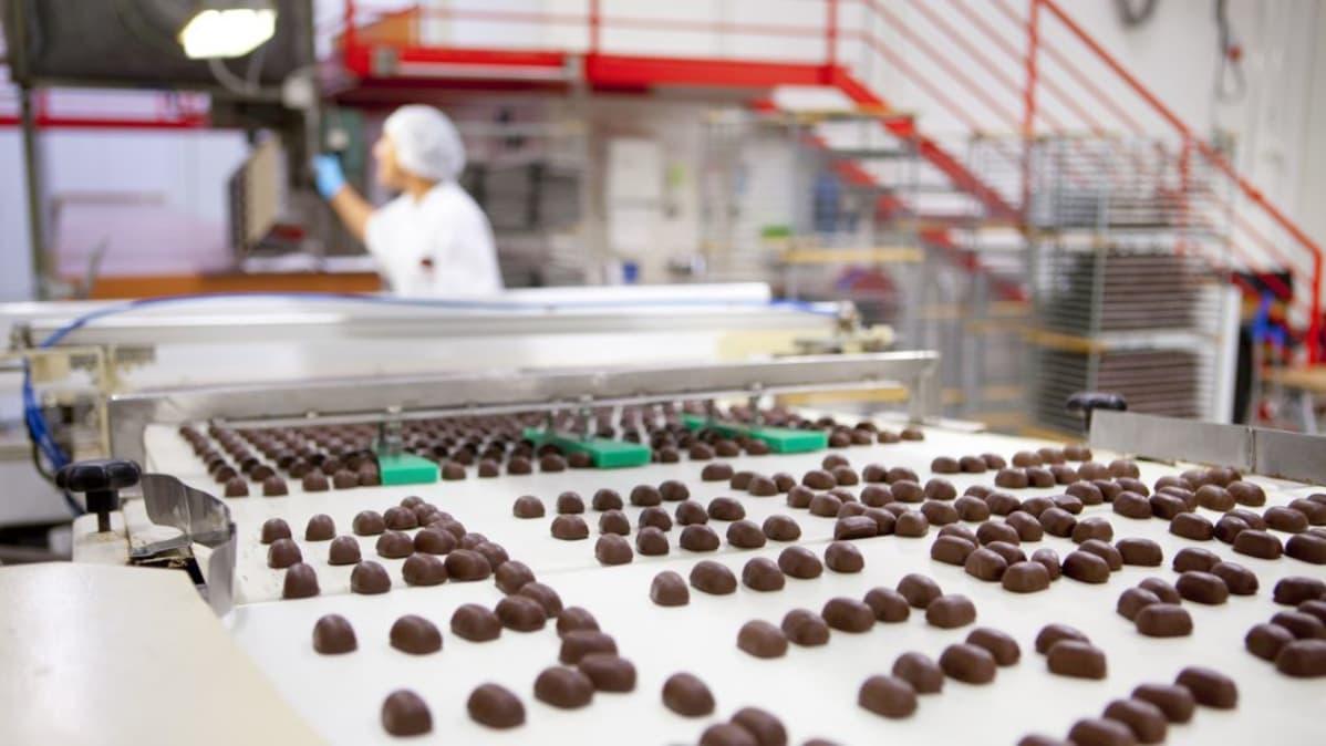 Makeisvero lähti, nyt Orkla investoi miljoonia suklaaseen | Yle Uutiset | yle.fi
