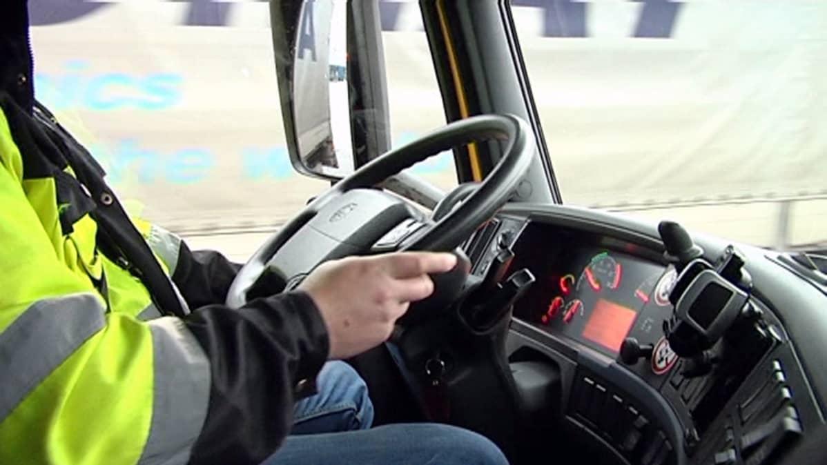 Saako Ajokortilla Ajaa Traktoria