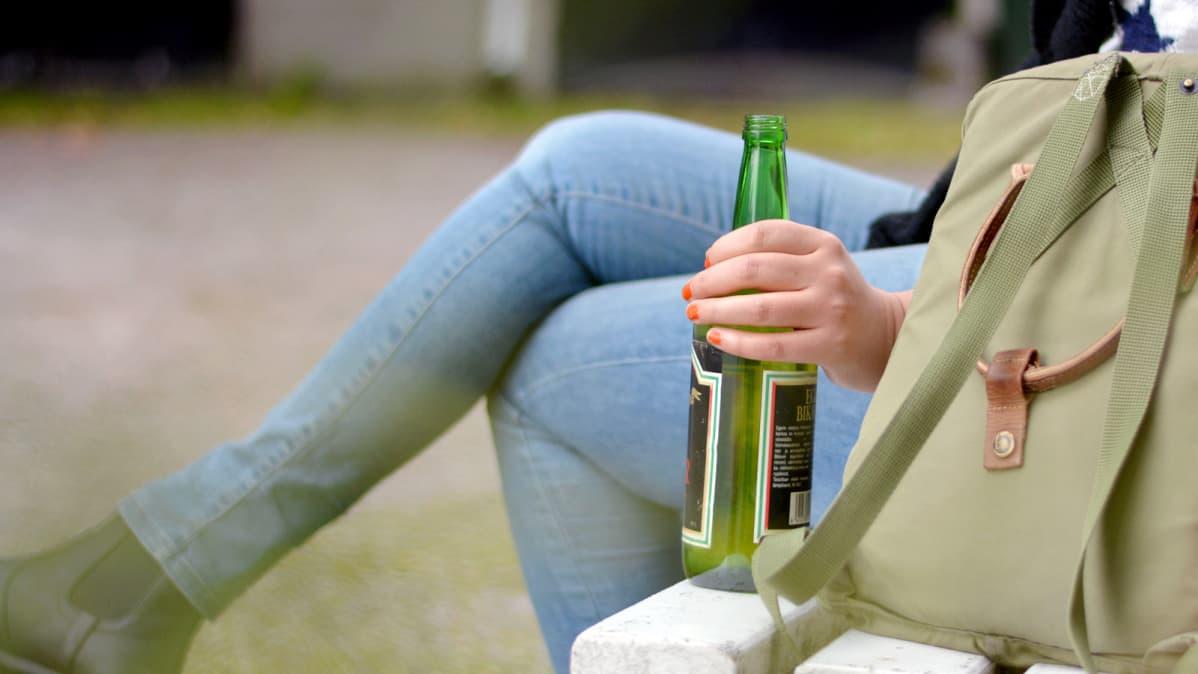 Kuinka Auttaa Alkoholistia